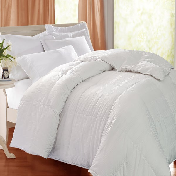Hotel Grand Oversized 600 Thread Count Windowpane White Goose Down Comforter