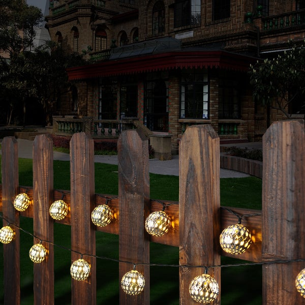 White Solar LED Outdoor Waterproof String Lights