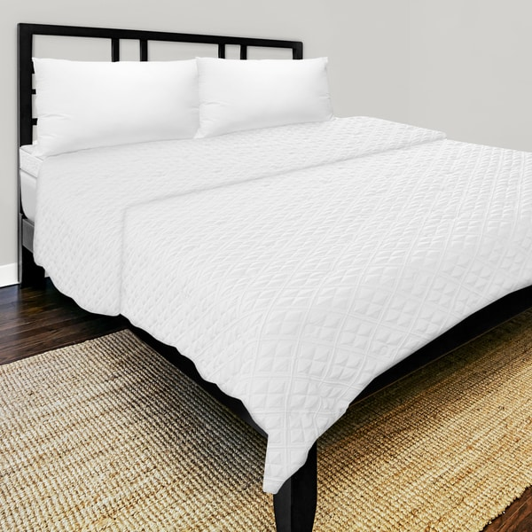 SwissLux Luxury Down Alternative Diamond Comforter