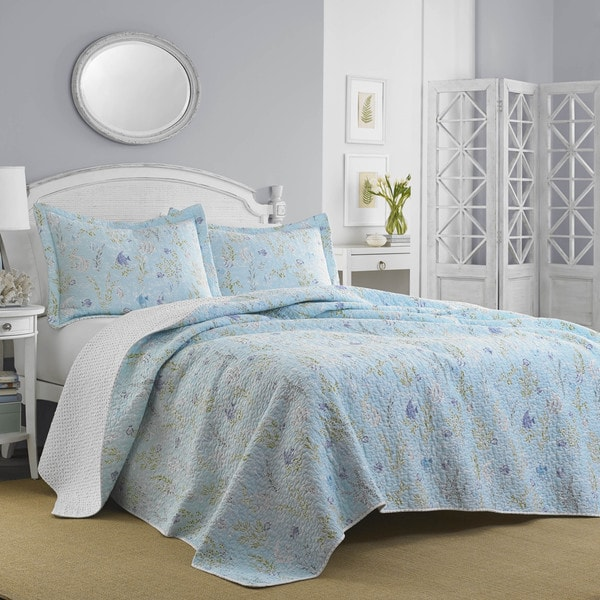 Laura Ashley Pale Blue Fish Frolic Qulit & Sham Set