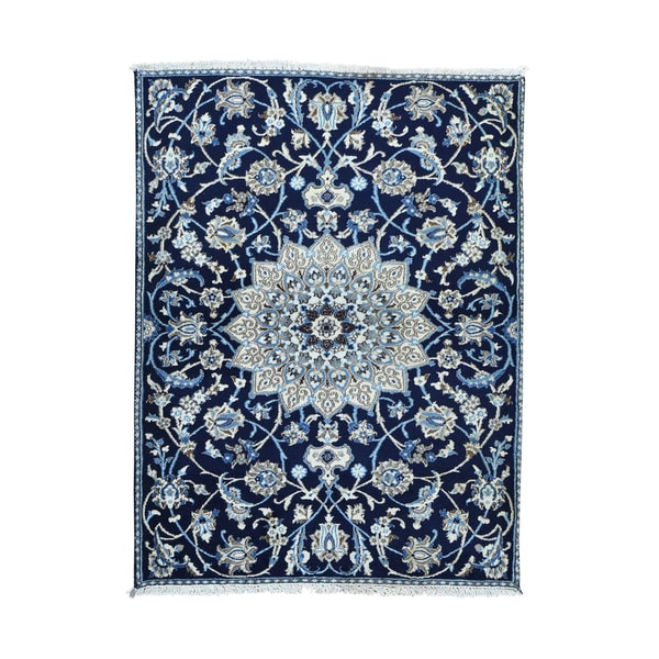 1800GetaRug Nain Scatter Blue Wool and Silk Hand-knotted Persian Oriental Rug (4'2 x 5'8)