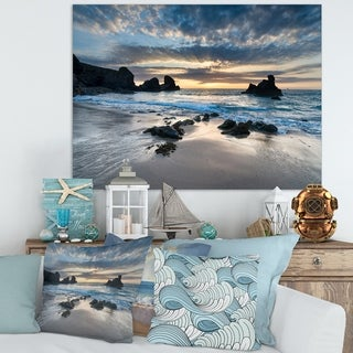 Designart 'Beautiful Porthcothan Bay' Modern Seashore Canvas Wall Art Print - Blue