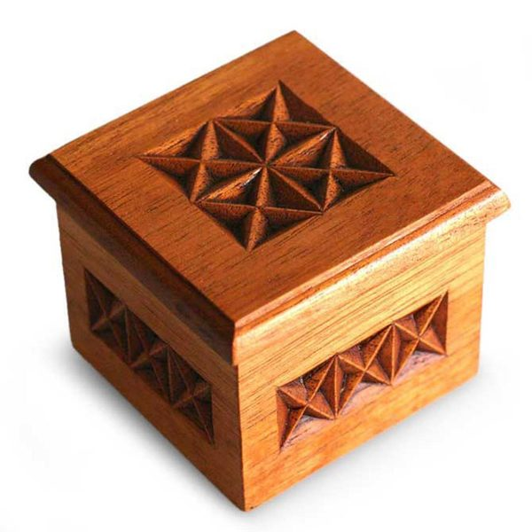 Star Cedar Box (Peru)