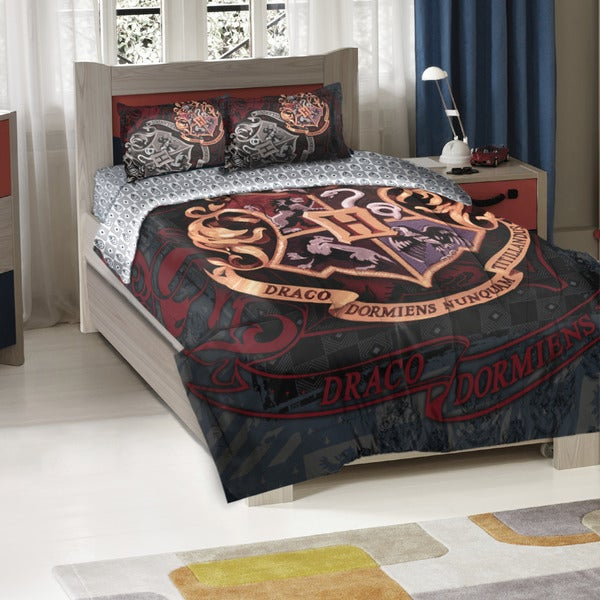 The Northwest Company Harry Potter School Motto Twin/ Full 3-pieceComforter Set