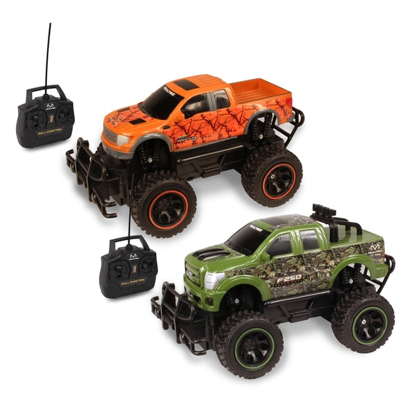 NKOK 1:24 RealTree RC Ford F-150 SVT Raptor and Ford F-250 Super Duty (Pack of 2)