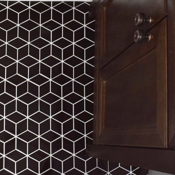 SomerTile 10.5x12.125-inch Victorian Rhombus Glossy Black Porcelain Mosaic Floor and Wall Tile (10/C 22973753