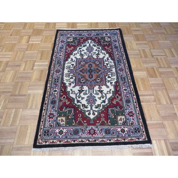 Hand Knotted Ivory Serapi Heriz with Wool Oriental Rug (3 x 4'11) 23054814