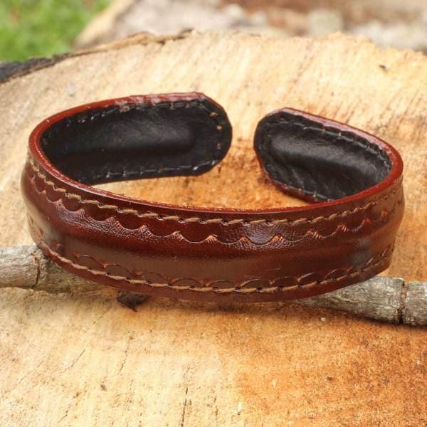 Handmade Men's Leather 'Solar Soul' Bracelet (Thailand) 23071334