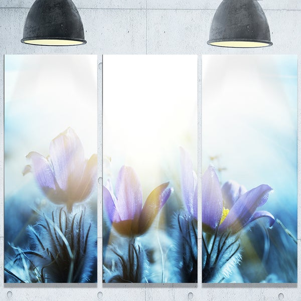 Designart 'Blooming Blue Spring Flowers' Large Flower Glossy Metal Wall Art 23542697