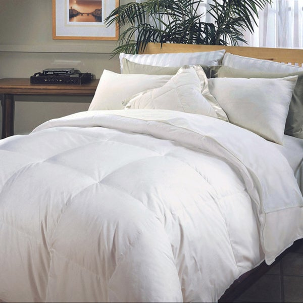 Hotel Grand Naples 700 Thread Count Medium Warmth Full/ Queen Size Down Alternative Comforter (As Is Item)