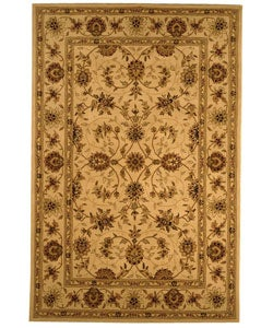 Handmade Traditions Isfahan Ivory Wool and Silk Rug (5' x 8')
