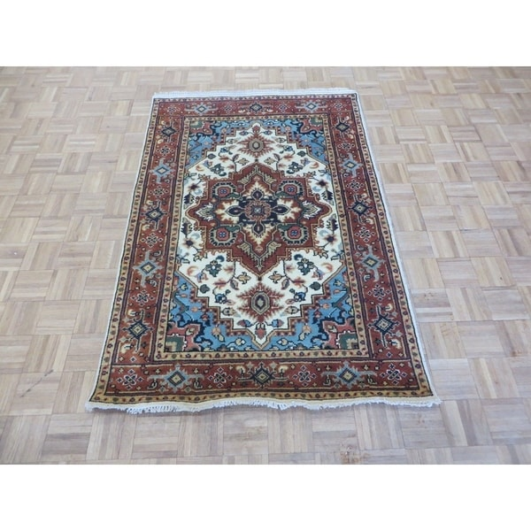 Hand Knotted Ivory Serapi Heriz with Wool Oriental Rug (4' x 6') 33385214