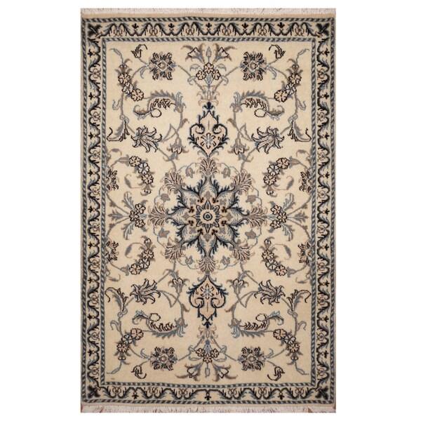 Handmade Herat Oriental Persian Hand-knotted Nain Wool & Silk Rug (2'3 x 4'7) - 2'3 x 4'7 34053362