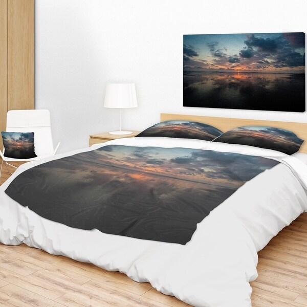 Designart 'Matapalo in Costa Rica Beach Sunset' Seascape Throw Blanket 34709319