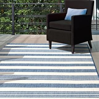 nuLOOM Indoor/ Outdoor Lavish Solid & Striped Area Rug