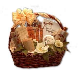 Vanilla-scented Essence of Luxury Bath & Body Aromatherapy Basket