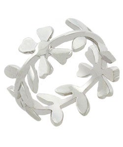 Mondevio Sterling Silver Floral Designed Ring