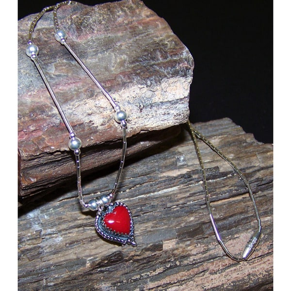Handmade Coral Red Heart Necklace (India) 2677867
