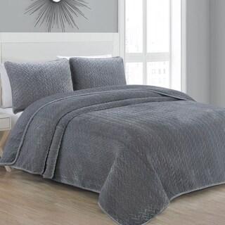 Estate Collection Sonoma Gray Velvet Quilt Set