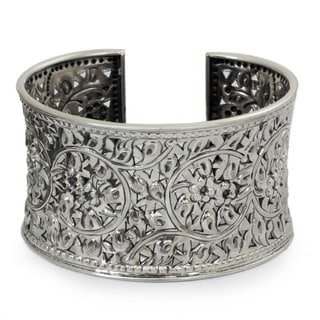 Antique Asian Lace Look Elaborate Floral Filigree Repousse Handmade 925 Sterling Silver Womens Cuff Bracelet (Thailand)