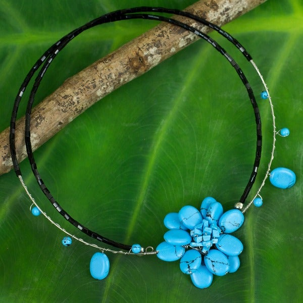 Delicate in Blue Turquoise Resin Stone Flower on Double Black Flexible Wire Womens Beaded Fashion Choker Necklace (Thailand) 2903410