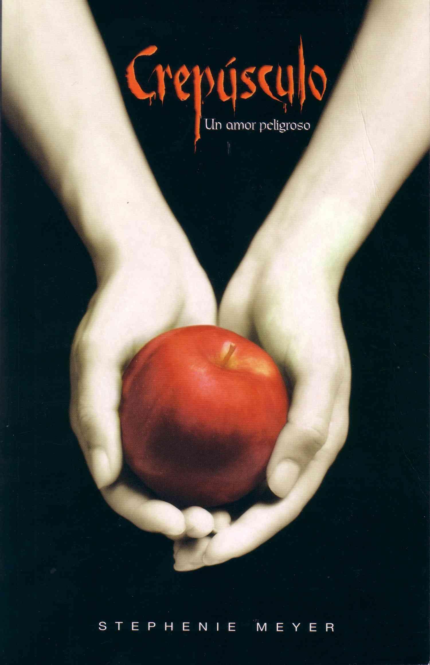 Crepusculo / Twilight: Un Amor Peligroso / A Dangerous Love (Paperback)