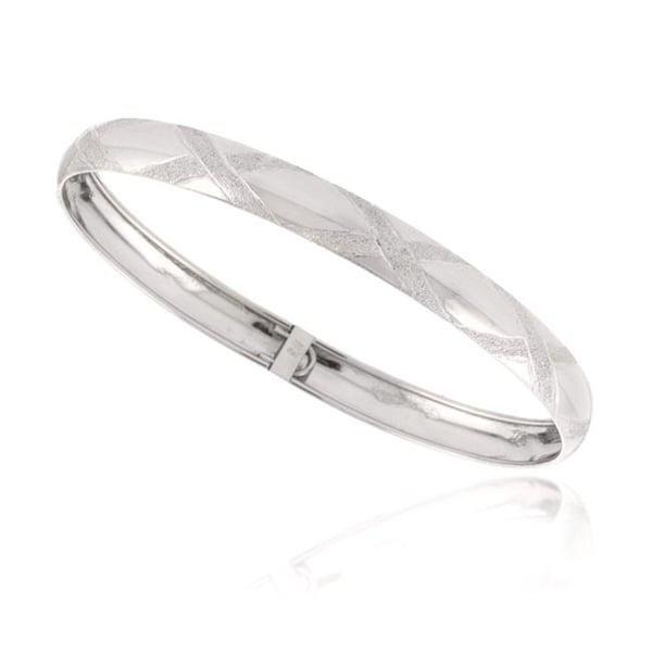 Mondevio Sterling Silver Tarnish-free-plating High-polish Diamond-cut Bangle