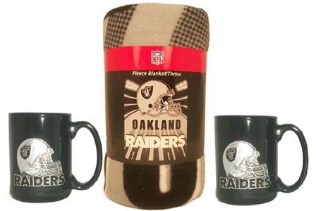 Oakland Raiders Winter Bundle: Mugs and Fleece