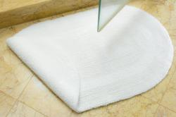 Safavieh Spa Collection White Reversible 2400-Gram Bath Mats (Set of 2)
