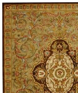 Handmade Classic Royal Beige/ Olive Wool Rug (7'6 x 9'6)