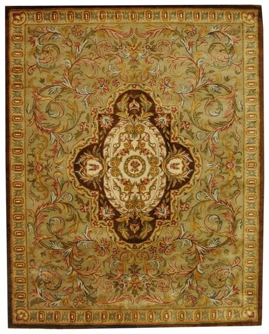 Safavieh Handmade Classic Royal Beige/ Olive Wool Rug (8'3 x 11')