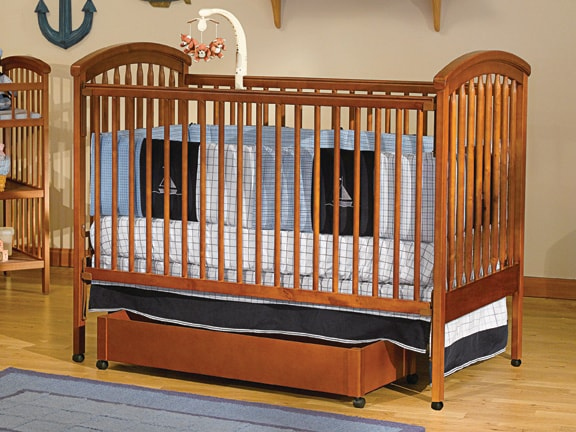 Aspen 4-in-1 Convertible Crib with Mobile