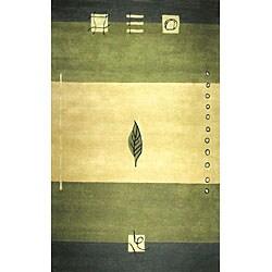 Hand-tufted Turning Leaf Green Wool Rug (5' x 8')