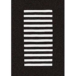 Hand-tufted Trax Black Wool Rug (5' x 8')