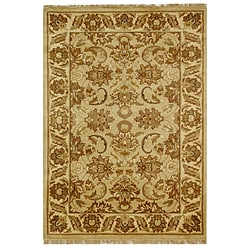 Safavieh Hand-knotted Beige/ Ivory Heritage Wool Rug (4' x 6')