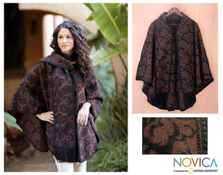 'Secret Garden' Alpaca Wool Reversible Ruana Cloak (Peru)