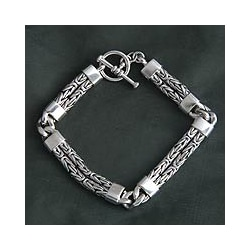 Sterling Silver 'Hand in Hand' Mens Bracelet (Indonesia)