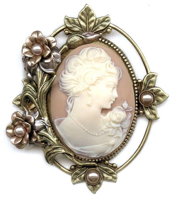Sweet Romance Princess Rose Vintage Cameo Pin