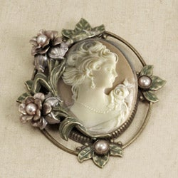 Sweet Romance Princess Rose Vintage Cameo Pin