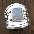 High-polish Sterling Silver Rectangle Moonstone Ring (India)