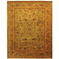 Handmade Antique Kasadan Olive Green Wool Rug (7'6 x 9'6)