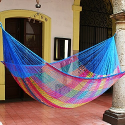 Rainbow Seascape Outdoor Garden Patio Pool Multicolor Rainbow Stripe Handmade Knotted Rope Style Nylon Double Hammock (Mexico)