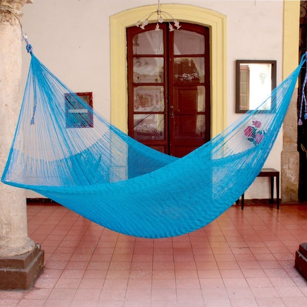 Glowing Sapphire Outdoor Beach Garden Patio Pool Durable Solid Blue Handmade Knotted Rope Style Nylon Double Hammock (Mexico)