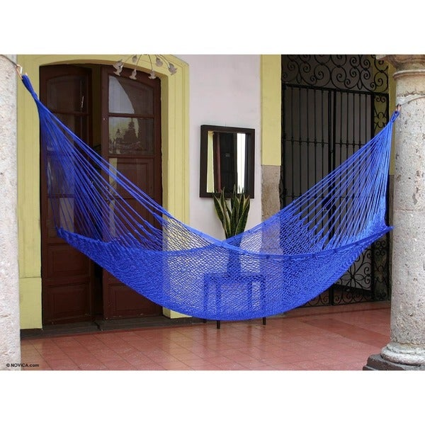 Blue Sonata Outdoor Beach Garden Patio Pool Solid Blue Durable Unique Handmade Knotted Rope Style Nylon Single Hammock (Mexico)