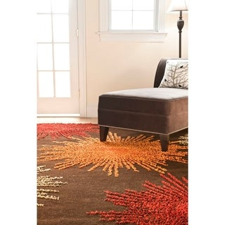 Safavieh Handmade Soho Burst Brown New Zealand Wool Rug (5' x 8')