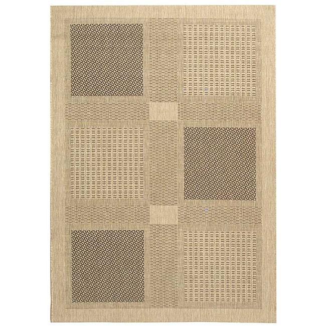 Safavieh Indoor/ Outdoor Lakeview Sand/ Black Rug (7'10' x 11')