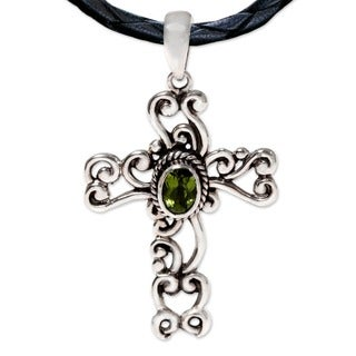 Sterling Silver 'Balinese Cross' Peridot Necklace (Indonesia)