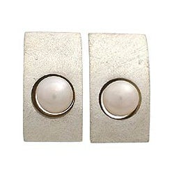 Sterling Silver Pearl 'Simplicity' Earrings (Indonesia)