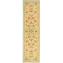 Hand-hooked Bedford Beige/ Green Wool Runner (2'6 x 10')
