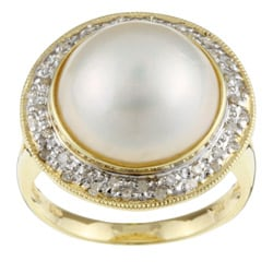 Kabella 14k Gold Mabe Pearl and 1/5ct TDW Diamond Ring (14 mm) (Size 7)